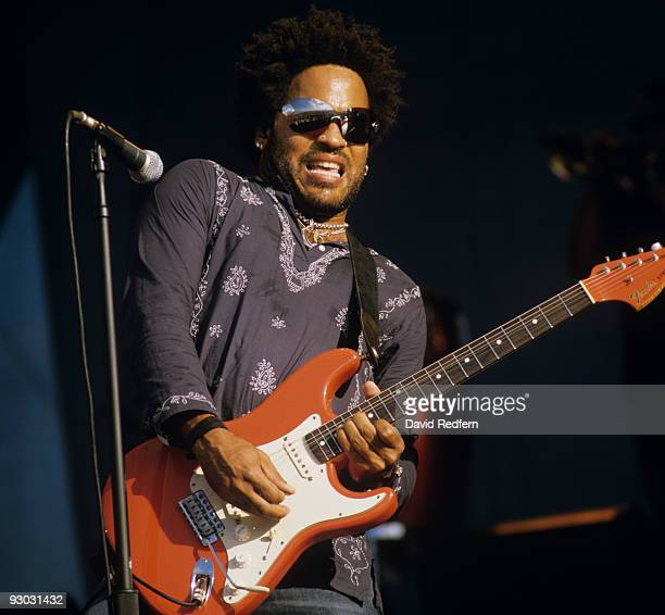 Lenny Kravitz performs on stage in 2000