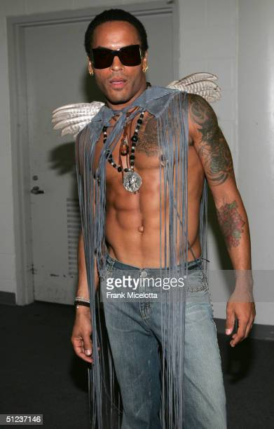 Lenny Kravitz poses backstage at the 2004 MTV Video Music Awards at the American Airlines Arena August 29 2004 in Miami Florida