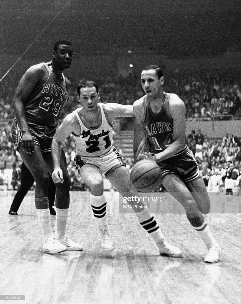Los Angeles Lakers v St Louis Hawks