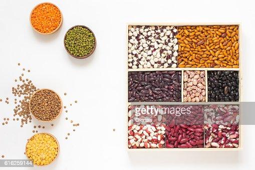 Lentils and beans of various colors. Top view : Foto de stock
