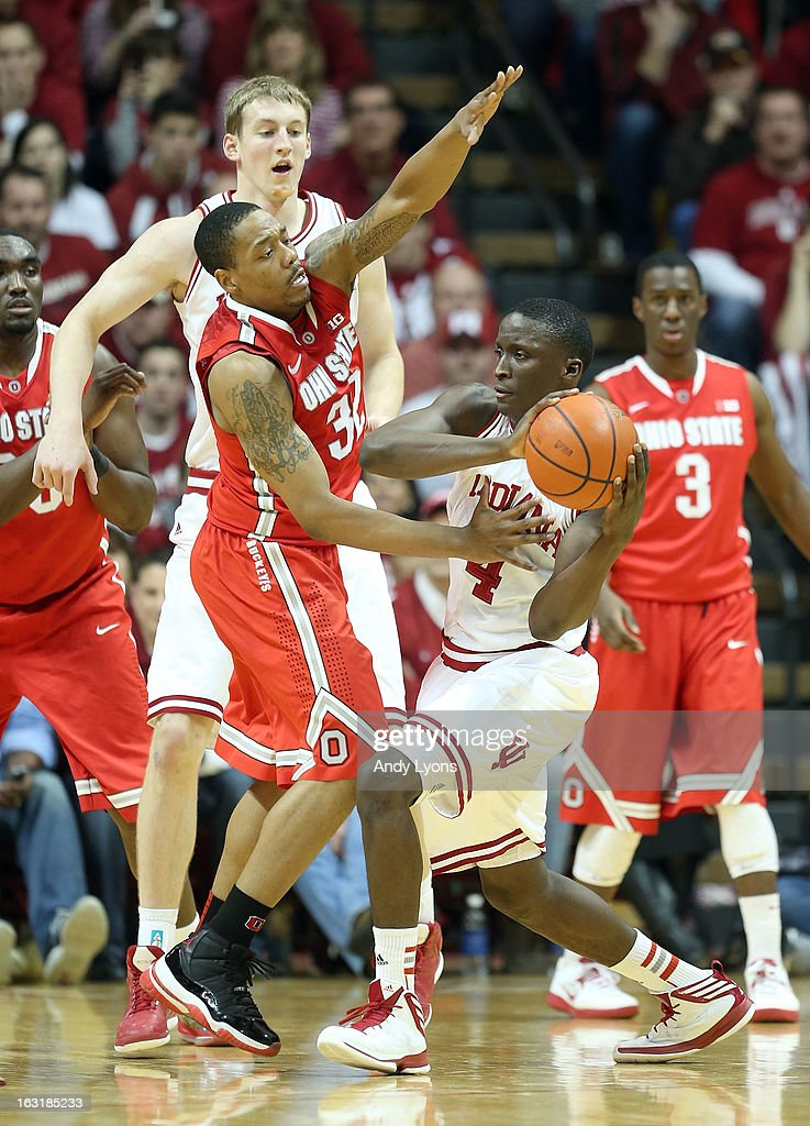 Lenzelle Smith #32 of the Ohio State Buckeyes defends Victor Oladipo #4 of the Indiana Hoosiers during the game at Assembly Hall on March 5, 2013 in Bloomington, Indiana. Ohio State won 67-58.