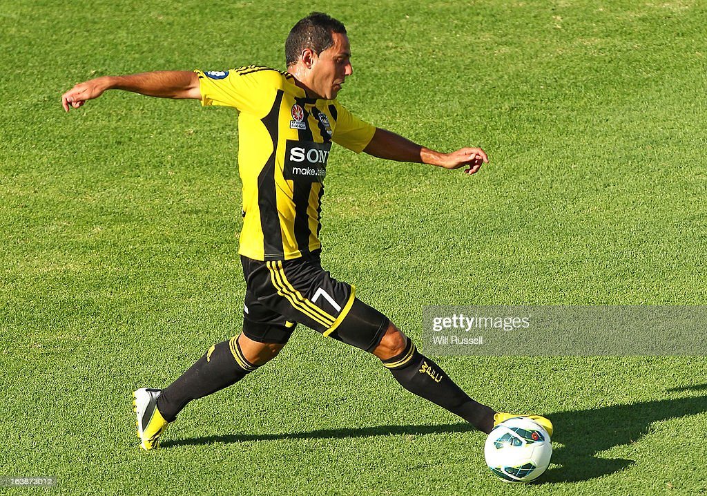 Leo Bertos of the Wellington Phoenix looks to pass the ball during the round 25 A-League match between the Perth Glory and the Wellington Phoenix at nib Stadium on March 17, 2013 in Perth, Australia.