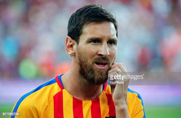 Leo Messi show your wedding ring during the friendy Joan Gamper trophy match between FC Barcelona v Chapecoense in Barcelona on August 07 2017 Photo...