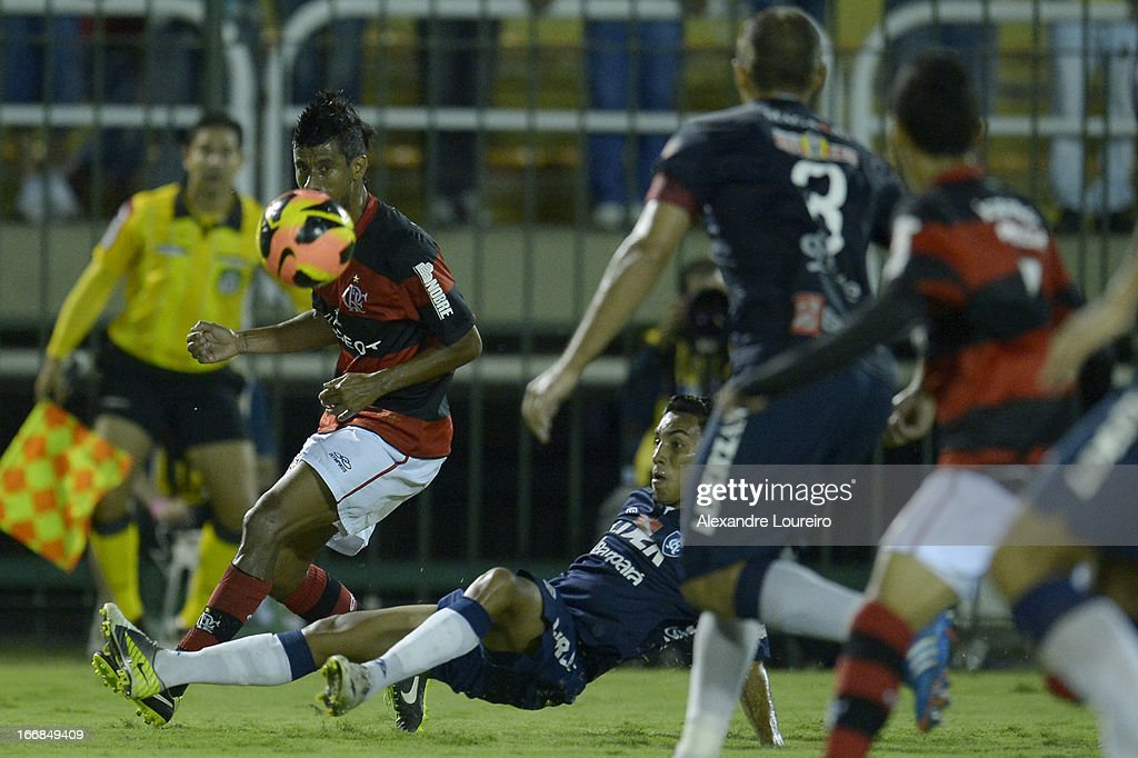 Leo Moura of Flamengo fights for the ball during the match between Flamengo and Remo as part of Brazil Cup 2013 at Raulino de Oliveira Stadium on April 17, 2013 in Rio de Janeiro, Brazil.