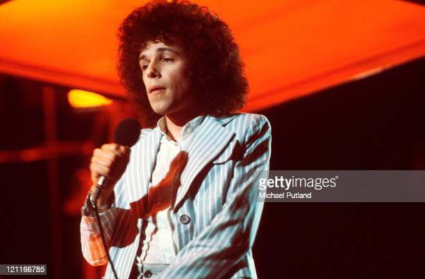 Leo Sayer performs on TV show circa 1977