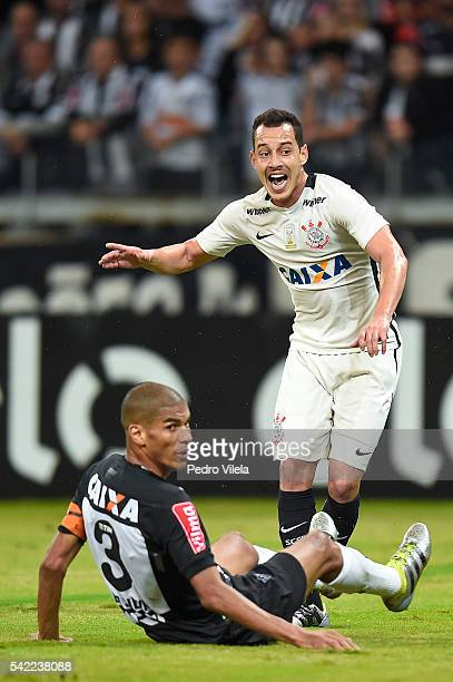 Leo Silva of Atletico MG and Rodriguinho of Corinthians battle for the ball during a match between Atletico MG and Corinthians as part of Brasileirao...