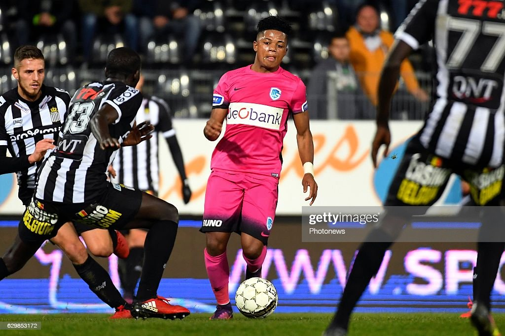 Charleroi v Genk- Belgian Cup : News Photo
