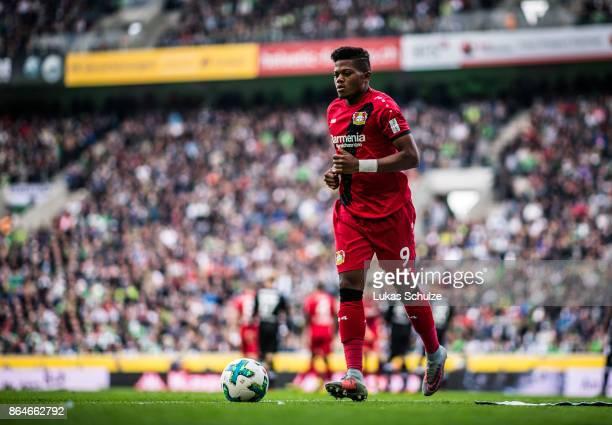 Leon Bailey of Leverkusen prepares a corner kick during the Bundesliga match between Borussia Moenchengladbach and Bayer 04 Leverkusen at...