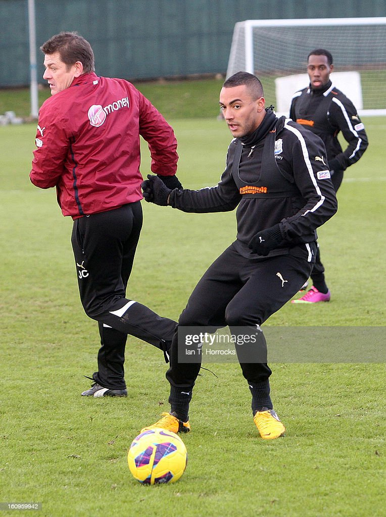 <a gi-track='captionPersonalityLinkClicked' href=/galleries/search?phrase=Leon+Best&family=editorial&specificpeople=684105 ng-click='$event.stopPropagation()'>Leon Best</a> (R) during a Newcastle United training session at the Little Benton training ground on February 08, 2013 in Newcastle upon Tyne, England.