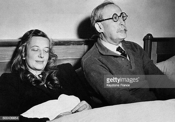 Leon Blum et son epouse dans un hotel de Niederdorf apres leur liberation en mai 1945 en Allemagne