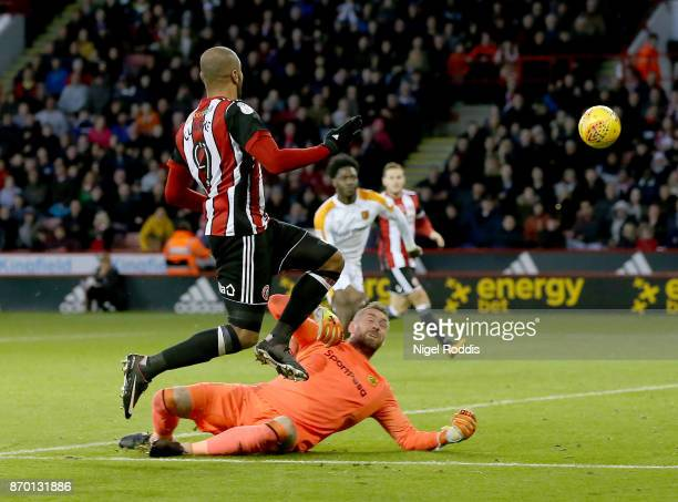 Leon Clarke of Sheffield United shoots to score his second goal during the Sky Bet Championship match between Sheffield United and Hull City at...