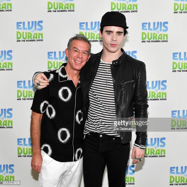 Leon Else poses with Elvis Duran during his visit to 'The Elvis Duran Z100 Morning Show' at Z100 Studio on May 18 2017 in New York City