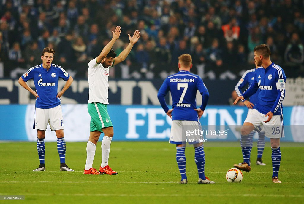 Leon Goretzka (8), <a gi-track='captionPersonalityLinkClicked' href=/galleries/search?phrase=Max+Meyer&family=editorial&specificpeople=7562133 ng-click='$event.stopPropagation()'>Max Meyer</a> (7) and <a gi-track='captionPersonalityLinkClicked' href=/galleries/search?phrase=Klaas+Jan+Huntelaar&family=editorial&specificpeople=533040 ng-click='$event.stopPropagation()'>Klaas Jan Huntelaar</a> (25) look dejected as <a gi-track='captionPersonalityLinkClicked' href=/galleries/search?phrase=Claudio+Pizarro&family=editorial&specificpeople=217807 ng-click='$event.stopPropagation()'>Claudio Pizarro</a> of Werder Bremen celebrates scoring their second goal during the Bundesliga match between FC Schalke 04 and Werder Bremen at Veltins-Arena on January 24, 2016 in Gelsenkirchen, Germany.