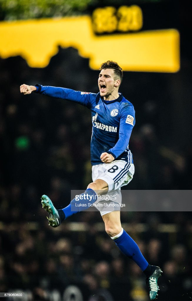 Leon Goretzka of Schalke celebrates his teams third goal during the Bundesliga match between Borussia Dortmund and FC Schalke 04 at Signal Iduna Park on November 25, 2017 in Dortmund, Germany.