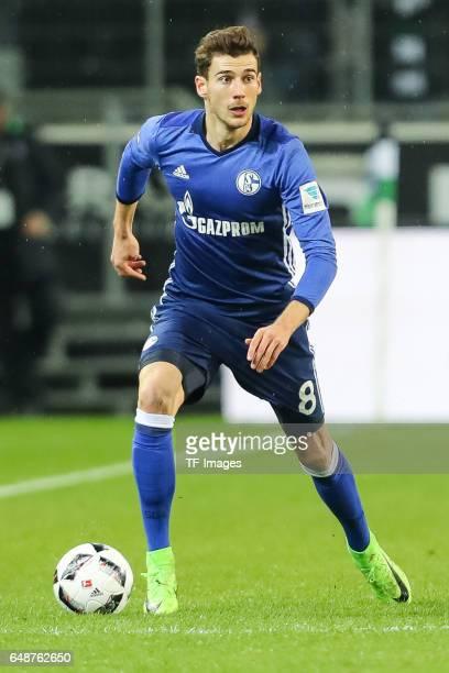 Leon Goretzka Of Schalke controls the ball during the Bundesliga match between Borussia Moenchengladbach and FC Schalke 04 at BorussiaPark on March 4...