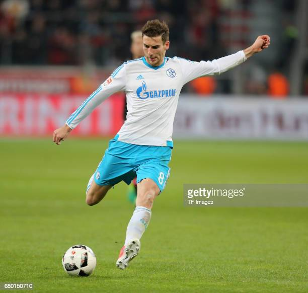 Leon Goretzka of Schalke controls the ball during to the Bundesliga match between Bayer 04 Leverkusen and FC Schalke 04 at BayArena on April 28 2017...