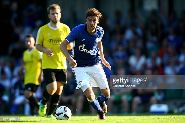 Leon Goretzka of Schalke runs with the ball during the friendly match between DSC WanneEickel and FC Schalke 04 at Mondpalast Arena on July 19 2016...