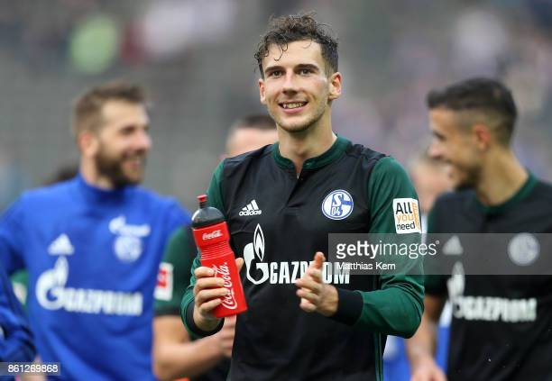 Leon Goretzka of Schalke shows his delight after winning the Bundesliga match between Hertha BSC and FC Schalke 04 at Olympiastadion on October 14...