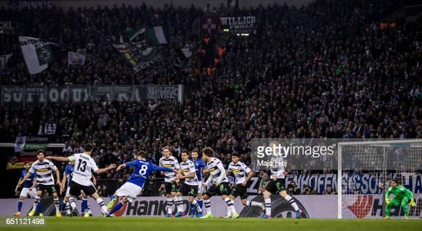Leon Goretzka of Schalke tries to score during the UEFA Europa League Round of 16 first leg match between FC Schalke 04 and Borussia Moenchengladbach...