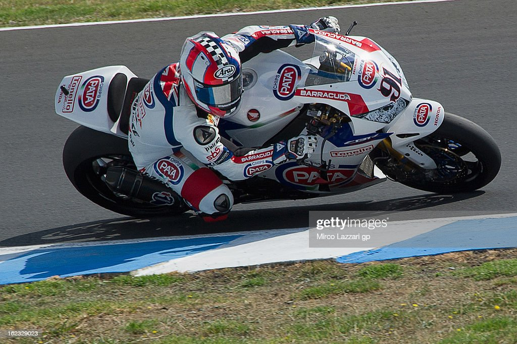 Leon Haslam of Great Britain and Pata Honda World Superbike rounds the bend during qualifying practice ahead of the World Superbikes at Phillip Island Grand Prix Circuit on February 22, 2013 in Phillip Island, Australia.
