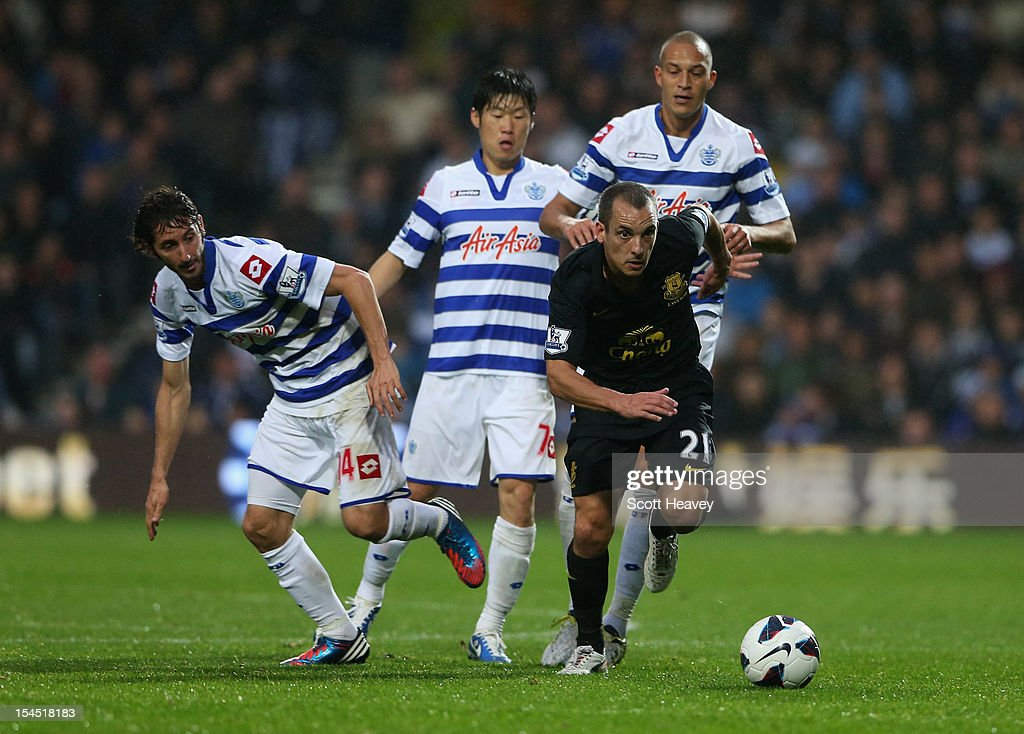 Queens Park Rangers v Everton - Premier League