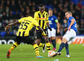 Leon Osman of Everton is closed down by Sekou Sanogo Junior and Samuel Afum of BSC Young Boys during the UEFA Europa League Round of 32 match between...