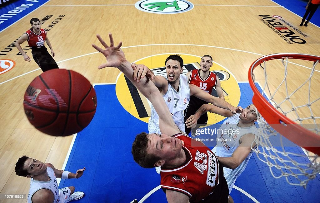 Leon Radosevic, #43 of Lietuvos Rytas Vilnius competes with <a gi-track='captionPersonalityLinkClicked' href=/galleries/search?phrase=Bostjan+Nachbar&family=editorial&specificpeople=202138 ng-click='$event.stopPropagation()'>Bostjan Nachbar</a>, #7 of Brose Baskets Bamberg during the 2012-2013 Turkish Airlines Euroleague Regular Season Game Day 9 between Lietuvos Rytas Vilnius v Brose Baskets Bamberg at Siemens Arena on December 7, 2012 in Vilnius, Lithuania.