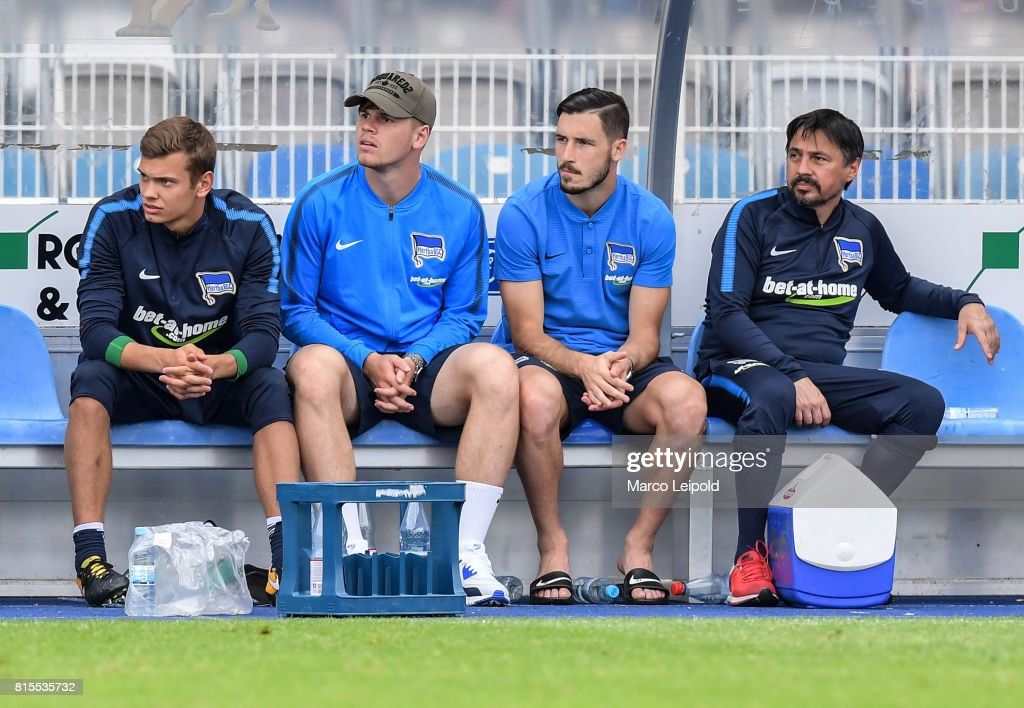 Leon Schaffran, Florian Baak, Mathew Leckie and Therapeut David de Mel of Hertha BSC during the test match between Carl-Zeiss Jena and Hertha BSC on july 16, 2017 in Jena, Germany.