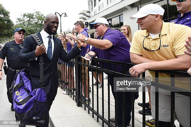 Leonard Fournette of the LSU Tigers greets fans prior to a game against the South Carolina Gamecocks at Tiger Stadium on October 10 2015 in Baton...