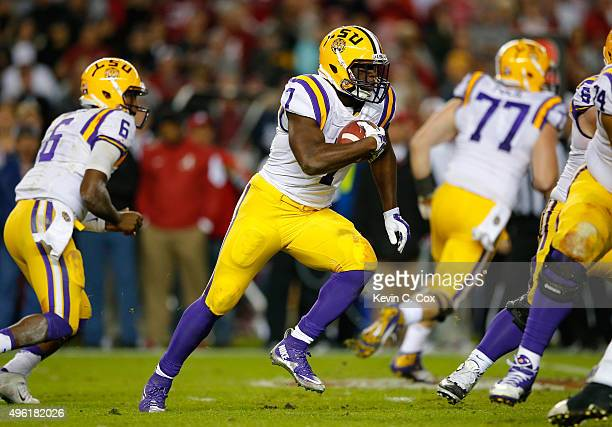Leonard Fournette#7 of the LSU Tigers rushes against the Alabama Crimson Tide in the third quarter at BryantDenny Stadium on November 7 2015 in...