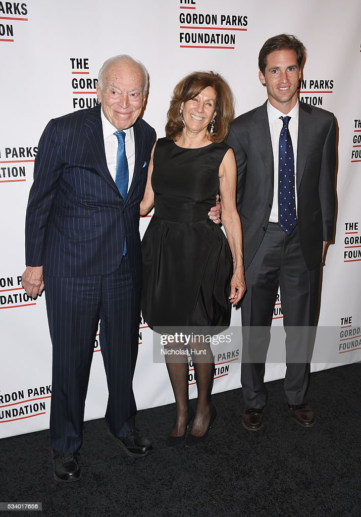 <a gi-track='captionPersonalityLinkClicked' href=/galleries/search?phrase=Leonard+Lauder&family=editorial&specificpeople=224870 ng-click='$event.stopPropagation()'>Leonard Lauder</a>, Judy Glickman Lauder and Executive Director of the Gordon Parks Foundation Peter Kunhardt Jr. attend the 2016 Gordon Parks Foundation awards dinner at Cipriani 42nd Street on May 24, 2016 in New York City.
