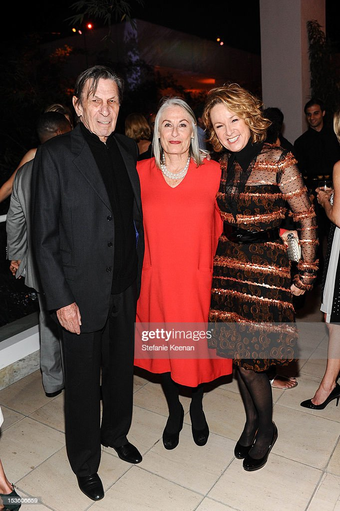 <a gi-track='captionPersonalityLinkClicked' href=/galleries/search?phrase=Leonard+Nimoy&family=editorial&specificpeople=216431 ng-click='$event.stopPropagation()'>Leonard Nimoy</a>, Susan Nimoy and Annie Philbin attend 2012 Hammer Gala at Hammer Museum on October 6, 2012 in Westwood, California.