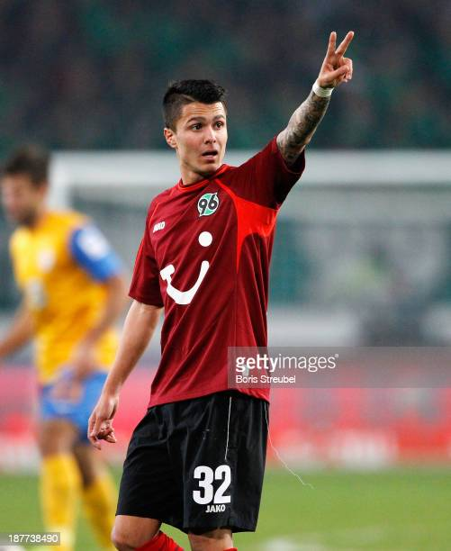 Leonardo Bittencourt of Hannover 96 gestures during the Bundesliga match between Hannover 96 and Eintracht Braunschweig at HDIArena on November 8...