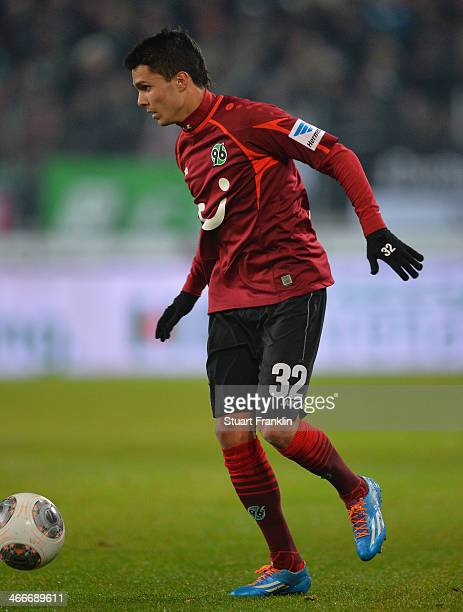 Leonardo Bittencourt of Hannover in action during the Bundesliga match between Hannover 96 and Borussia Moenchengladbach at HDIArena on November 8...