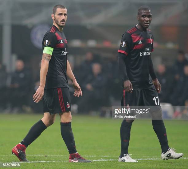 Leonardo Bonucci and Cristian Zapata of AC Milan look on during the UEFA Europa League group D match between AC Milan and Austria Wien at Stadio...