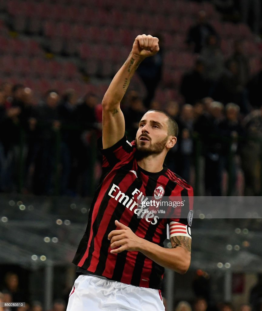 Leonardo Bonucci of AC Milan celebrates at the end of the Serie A match between AC Milan and Spal at Stadio Giuseppe Meazza on September 20, 2017 in Milan, Italy.