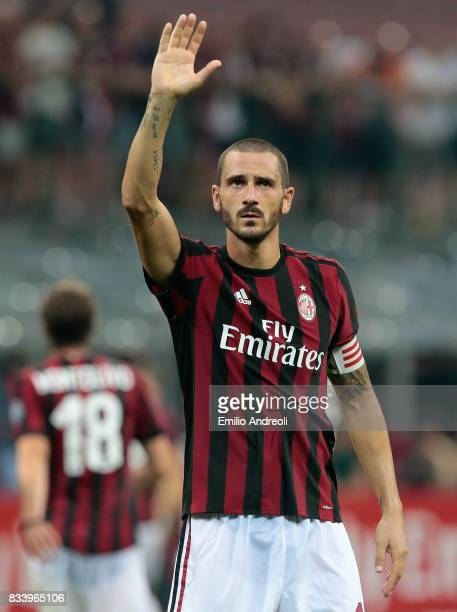 Leonardo Bonucci of AC Milan greets the fans at the end of the UEFA Europa League Qualifying PlayOffs round first leg match between AC Milan and KF...