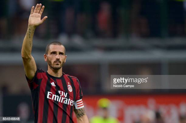 Leonardo Bonucci of AC Milan greets the supporters at the end of the UEFA Europa League Qualifying PlayOffs Round First Leg match between AC Milan...