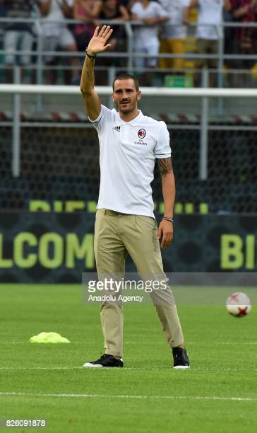 Leonardo Bonucci of AC Milan salutes fans ahead of the UEFA Europa League third qualifying round 2nd leg match between AC Milan and CS U Cairova at...