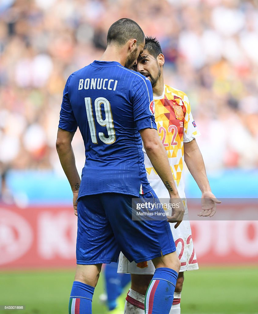 <a gi-track='captionPersonalityLinkClicked' href=/galleries/search?phrase=Leonardo+Bonucci&family=editorial&specificpeople=6166090 ng-click='$event.stopPropagation()'>Leonardo Bonucci</a> of Italy and <a gi-track='captionPersonalityLinkClicked' href=/galleries/search?phrase=Nolito&family=editorial&specificpeople=7332831 ng-click='$event.stopPropagation()'>Nolito</a> of Spain argue during the UEFA EURO 2016 round of 16 match between Italy and Spain at Stade de France on June 27, 2016 in Paris, France.