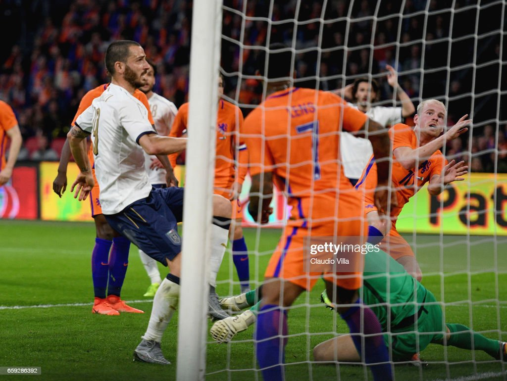 Leonardo Bonucci of Italy scores during the international friendly match between Netherlands and Italy at Amsterdam Arena on March 28, 2017 in Amsterdam, Netherlands.