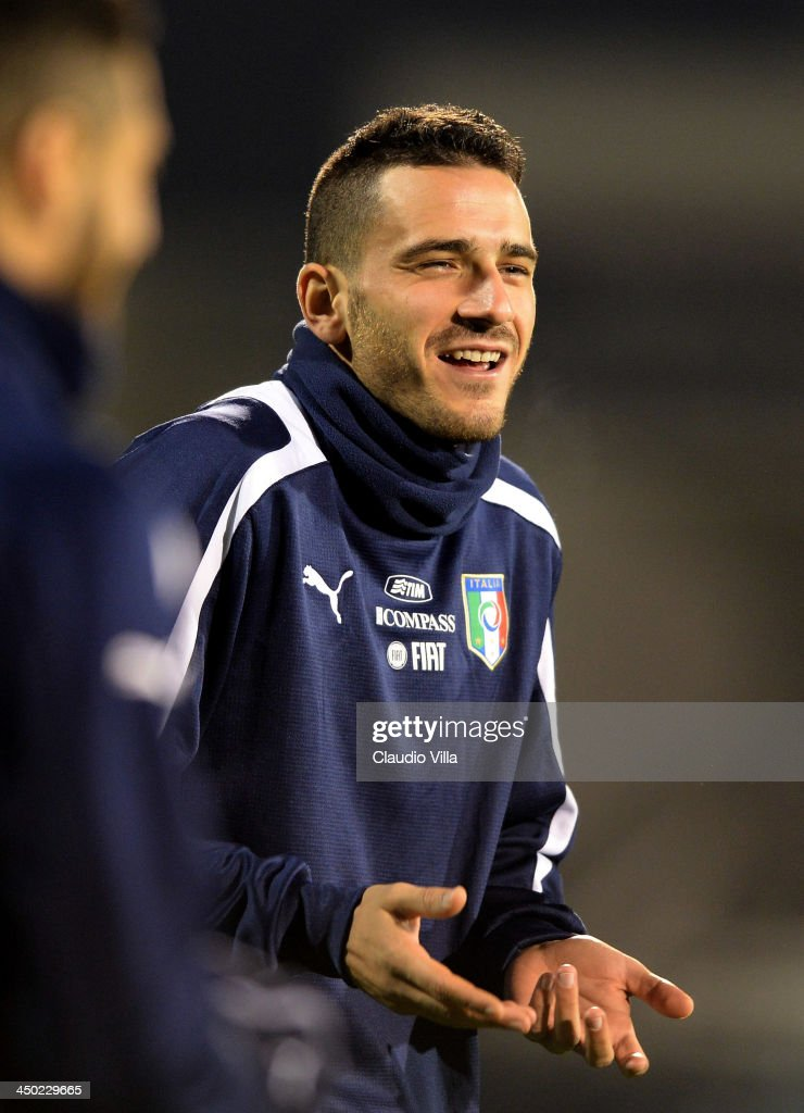 <a gi-track='captionPersonalityLinkClicked' href=/galleries/search?phrase=Leonardo+Bonucci&family=editorial&specificpeople=6166090 ng-click='$event.stopPropagation()'>Leonardo Bonucci</a> of Italy smiles during a training session at Craven Cottage on November 17, 2013 in London, England.