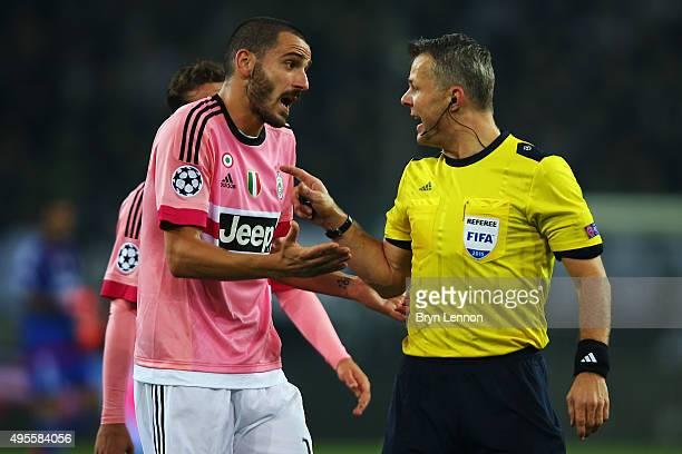 Leonardo Bonucci of Juventus appeals to referee Bjorn Kuipers during the UEFA Champions League match between VfL Borussia Monchengladbach and...