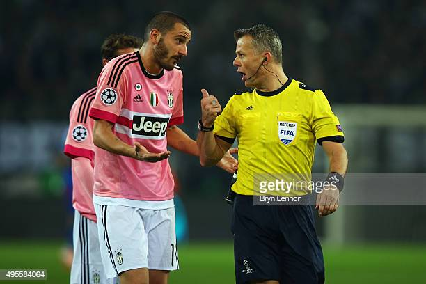 Leonardo Bonucci of Juventus appeals to referee Bjorn Kuipers during the UEFA Champions League match between VfL Borussia Monchengladbach and...