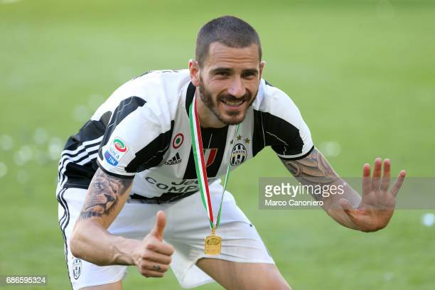 Leonardo Bonucci of Juventus FC celebrate the victory of Italian Serie A after the match between Juventus Fc and Fc Crotone