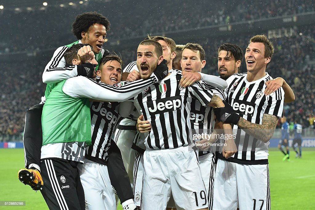 Leonardo Bonucci (C) of Juventus FC celebrates the opening goal with team mates during the Serie A match between Juventus FC and FC Internazionale Milano at Juventus Arena on February 28, 2016 in Turin, Italy.