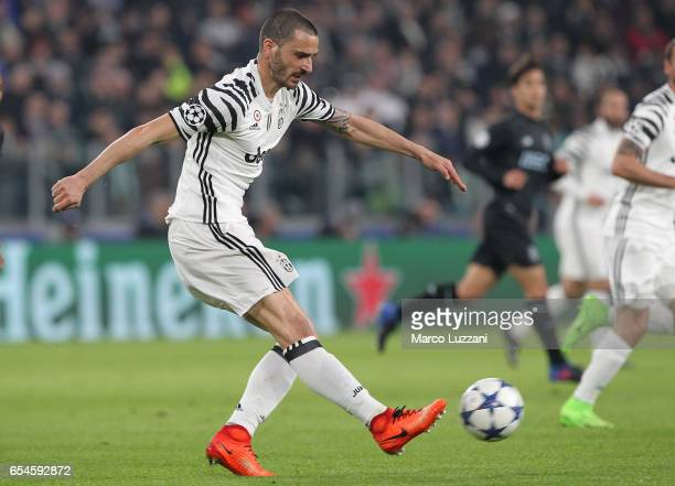 Leonardo Bonucci of Juventus FC in action during the UEFA Champions League Round of 16 second leg match between Juventus and FC Porto at Juventus...