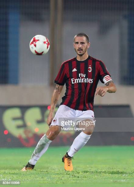 Leonardo Bonucci of Milan of during the PreSeason Friendly match between AC Milan and Villareal at Stadio Angelo Massimino on August 9 2017 in...