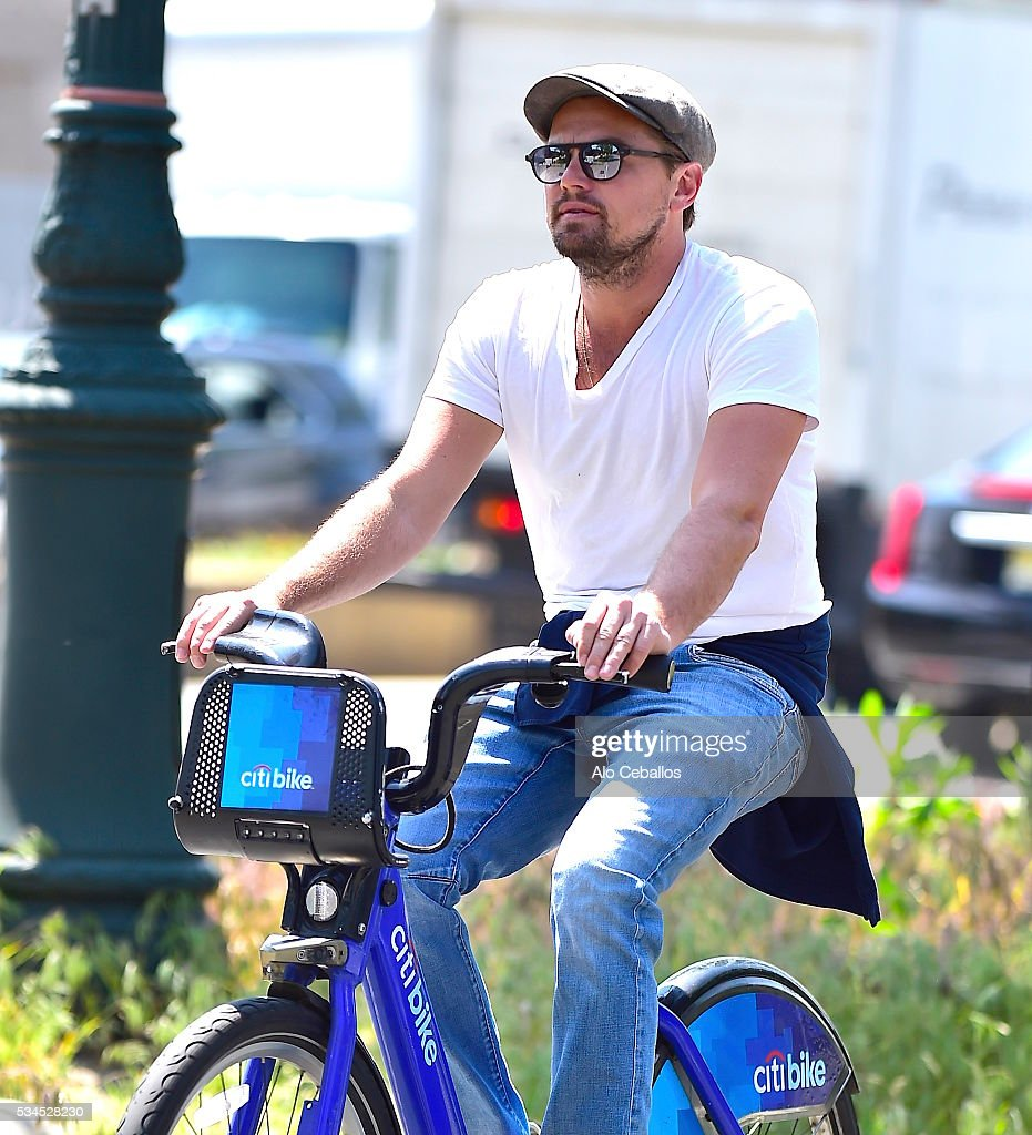 <a gi-track='captionPersonalityLinkClicked' href=/galleries/search?phrase=Leonardo+DiCaprio&family=editorial&specificpeople=201635 ng-click='$event.stopPropagation()'>Leonardo DiCaprio</a> is seen on the West Side Highway on May 26, 2016 in New York City.
