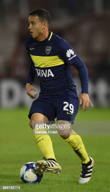 Leonardo Jara of Boca Juniors drives the ball during a match between Huracan and Boca Juniors as part of Torneo Primera Division 2016/17 at Tomas...